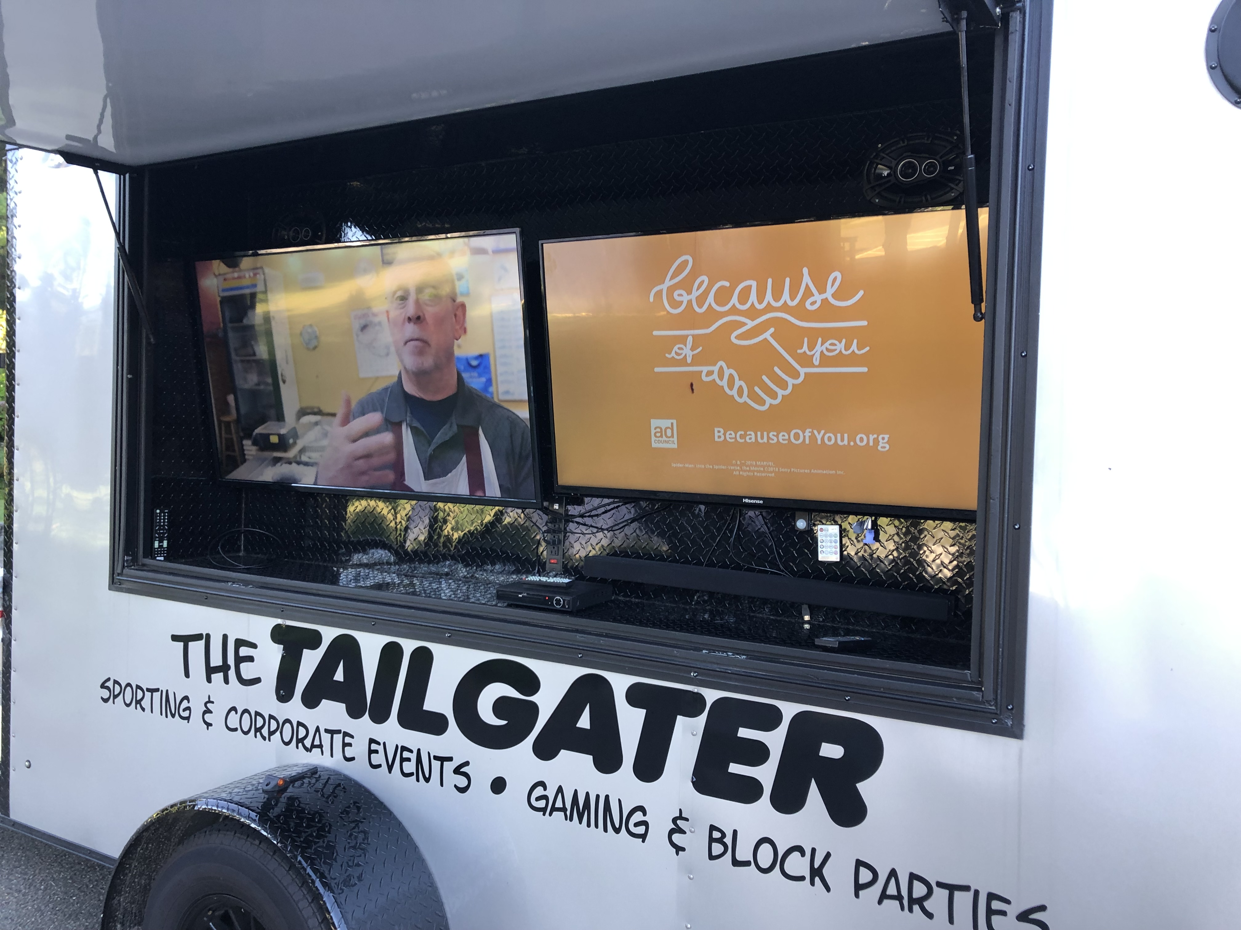 Tailgate Trailer Screen