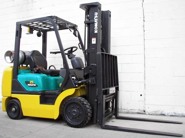 Where to find FORKLIFT KOMATSU 3000 in Mt. Airy
