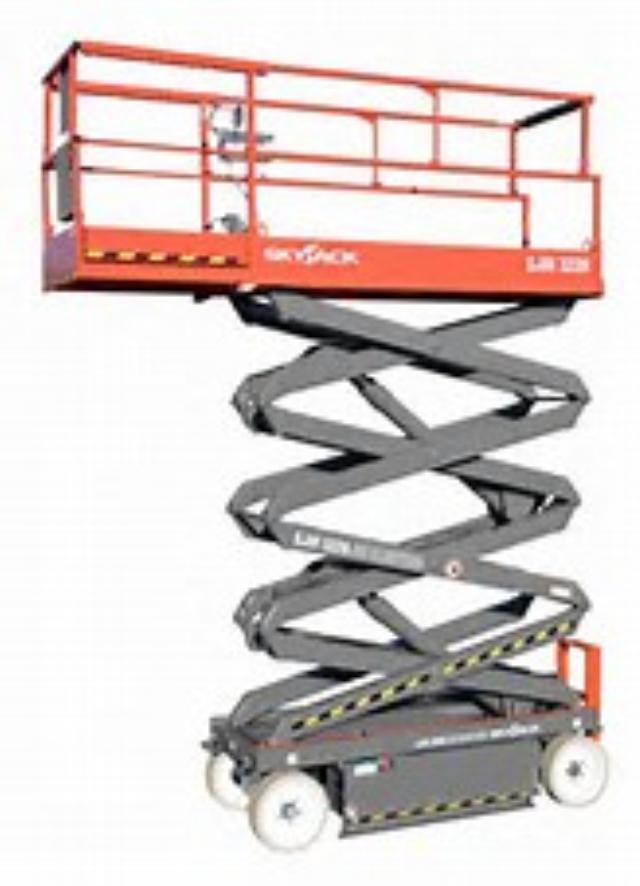 Where to find SCISSOR LIFT 19 X32 X5 in Mt. Airy