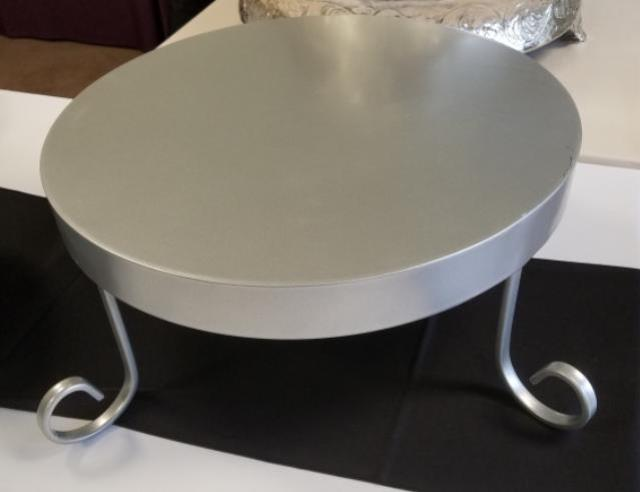 Where to find SILVER MAJESTIC 18  ROUND CAKE STAND in Mt. Airy
