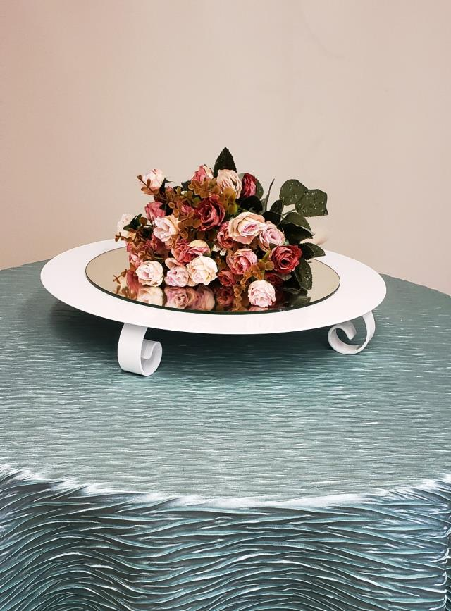 Where to find WHITE 18  ROUND CAKE STAND in Mt. Airy